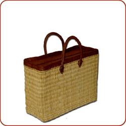 Reed zippered basket