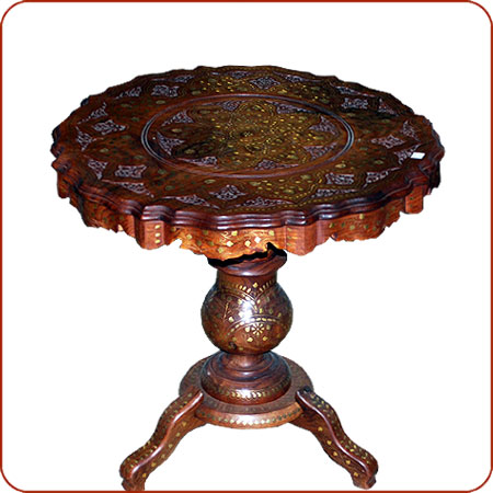 Delicieux Zahra Carved Table