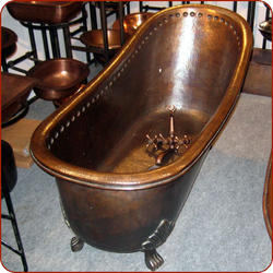 Claw Copper Bathtub